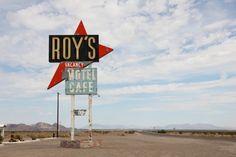 Amboy, Szyld Roy's Cafe  Amboy, U.S. Route 66, Kalifornia, USA