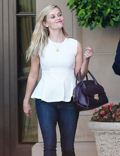 Reese Witherspoon Photos: Reese Witherspoon Heads to Lunch