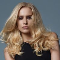 How-to Hair | curls with movement ghd®