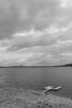 Nuvens e uma represa.  (Todos os direitos reservados - Juliana de Camargo Cerdeira)