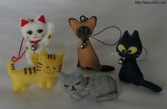 Tutorial to make small stuffed felt cats. Cute and different.