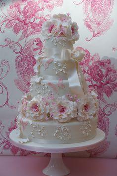 creativemuggle: The Vanilla Cake Company, U. Beautiful Wedding Cakes, Gorgeous Cakes, Pretty Cakes, Amazing Cakes, Elegant Wedding, Cupcakes, Cupcake Cakes, Wedding Cake Designs, Wedding Ideas