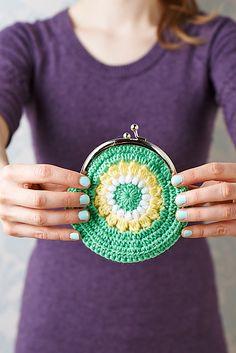 Ravelry: Pretty purse pattern by Lynne Rowe