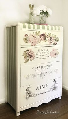 The 3 Pieces of Furniture Essential for a Shabby Chic Bedroom – We Shabby Chic Decoupage Furniture, Refurbished Furniture, Paint Furniture, Repurposed Furniture, Shabby Chic Furniture, Furniture Projects, Furniture Makeover, Vintage Furniture, Decoupage Dresser