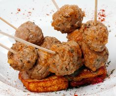 CookinArt Brochetas de Albóndigas en Salsa Moruna.