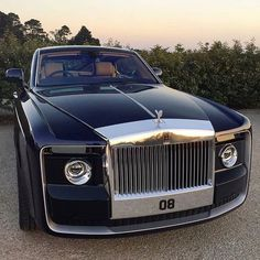 66 Likes, 2 Comments - Luxury Rolls Royce Cullinan, Luxury Sports Cars, Rolls Royce Cars, Jeep Pickup, Rolls Royce Phantom, Expensive Cars, E Bay, Fast Cars, Exotic Cars