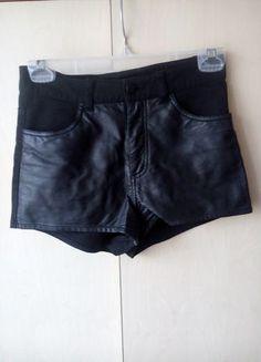 Kup mój przedmiot na #vintedpl http://www.vinted.pl/damska-odziez/szorty-rybaczki/10807694-spodenki-czarne-hm-szorty-skorzane