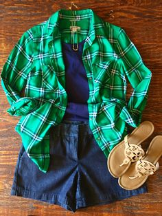 Pairing up my plaid shirt with shorts and a tank, genius!  Fall Transition Outfits:  Three Ways to Pair up a Plaid Shirt http://getyourprettyon.com/fall-transition-outfits-three-ways-to-pair-up-a-plaid-shirt/?utm_campaign=coschedule&utm_source=pinterest&utm_medium=Alison%20Lumbatis%20%7C%20Get%20Your%20Pretty%20On&utm_content=Fall%20Transition%20Outfits%3A%20%20Three%20Ways%20to%20Pair%20up%20a%20Plaid%20Shirt