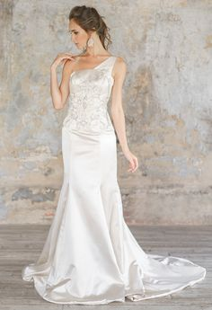 Wedding Dresses for Bridesmaids Find amazing wedding dresses collection on our store. Amazing Wedding Dress, Elegant Wedding Dress, Designer Wedding Dresses, Chic Wedding, Wedding Styles, Wedding Ideas, Bridal Gowns, Wedding Gowns, Tulle Wedding