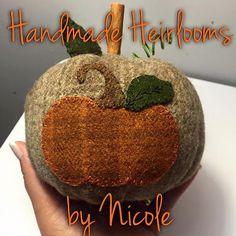 Wool applique pumpkin using motif by Under by HndmdeHrlmsbyNicole