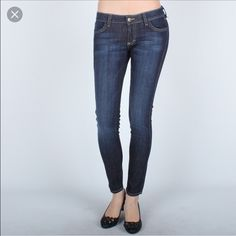 Siwy Hannah Skinny in Coy size 27 Hey hey denim lovers - I think I either wore this pair once or might not have ever! Eek! Classic dark wash with contrast stitching. I kept these because the butt pockets were really flattering and my boyfriend (now husband!) liked them on me but I never really wore them!  So much denim so little time ! Siwy Jeans Skinny