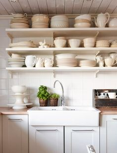 The New Victorian Ruralist: Open shelving, you will be mine one day...