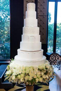 Wedding Cakes : Picture Description Tall white wedding cake: www. Glamorous Wedding Cakes, Tall Wedding Cakes, Beautiful Wedding Cakes, Beautiful Cakes, Cake Wedding, Wedding Cake Inspiration, Wedding Ideas, Wedding Trends, Wedding Photos