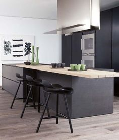 New model by Modulnova Cucine: Blade  Showed in Milano during the Salone in April