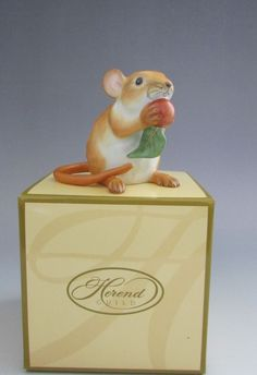 Herend Porcelain Natural Color Meadow Mouse with Nut 15252 #Herend