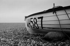 Mark Farrington Photography: Black & White Dinghy - Chesil Cove