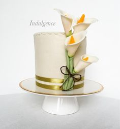 Calla Lilies - Cake by Indulgence Fondant Flower Cake, Cake Flowers, Flower Cakes, Fondant Cakes, Calla Lily Cake, Calla Lilies, Simple Cakes, Art Cakes, Wedding Cakes With Cupcakes