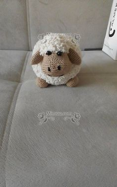 Easy Amigurumi Lamb Recipe – – Join the world of pin Lion Crochet, Easter Crochet, Crochet Patterns Amigurumi, Cute Crochet, Amigurumi Doll, Crochet Gifts, Crochet Toys, Crochet Animals, Crochet Mignon