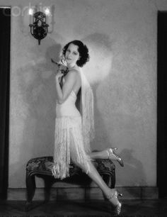 Actress Juliette in Flapper Style Dress Get premium, high resolution news photos at Getty Images 20s Fashion, Art Deco Fashion, Fashion History, Vintage Fashion, Flapper Fashion, Indian Fashion, Vintage Glamour, Vintage Beauty, Style Année 20