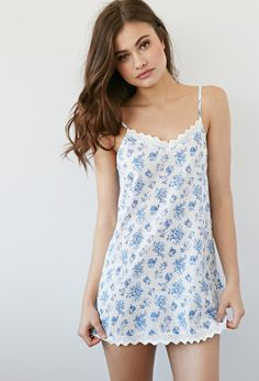 Crochet-Trimmed Floral Nightdress   Forever 21 - 2000077579