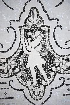 """1920's Lovely FIGURAL Point De Venise Lace Linen Tablecloth 100"""" x 70"""""""