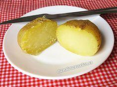 Cómo cocinar una patata rápidamente en el horno microondas, con un sabor muy auténtico - http://www.monstruorecetas.es/2017/06/asar-cocer-patatas-microondas.html