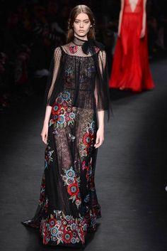 Fotos de Pasarela   Valentino colección prêt-à-porter otoño-invierno 2015 Otoño-Invierno 2015/2016 Paris Fashion Week   63 de 83   Vogue