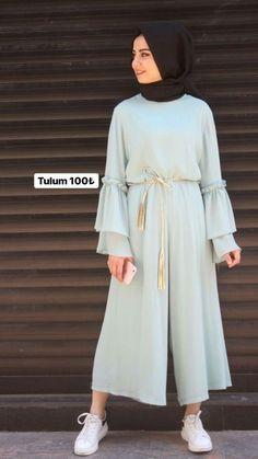 New clothes classy casual blouses Ideas Hijab Fashion Summer, Modest Fashion Hijab, Modern Hijab Fashion, Hijab Fashion Inspiration, Abaya Fashion, Hijab Evening Dress, Hijab Dress Party, Hijab Style Dress, Moslem Fashion