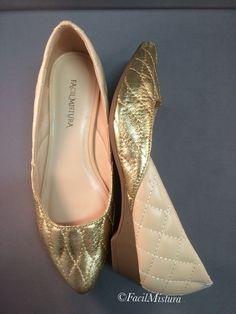 Sapato dourado/nude