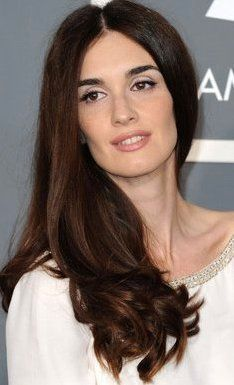 Paz Vega as Amberly Schreave from 'The Selection', NYT bestselling book series by Kiera Cass. She is Spanish/Italian of ethnicity, born in Mexico. She has worked in Hollywood. Gorgeous Women, Beautiful People, Hello Beautiful, New Hair, Your Hair, Vegas Makeup, Vegas Hair, Bella Beauty, For Elise