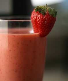 Strawberry Coconut Oil Smoothie  1 ½ cups almond (coconut) milk  1 cup strawberries (you can also add other berries)  1 tablespoon coconut oil  1 banana (frozen or not – your choice)  1 tablespoon honey  Ice as needed  Directions  Blend in your blender until smooth and enjoy! For added goodness sprinkle cinnamon on top!
