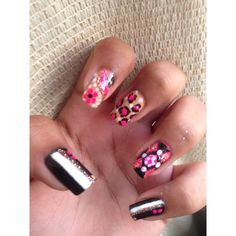 #nails #nailart #naildesign #floral #flowers #lepordprint #pokadots #stripes #sparkles