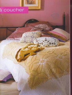 couvre lit au crochet - travaux-manuels3.overblog.com                                                                                                                                                                                 Plus