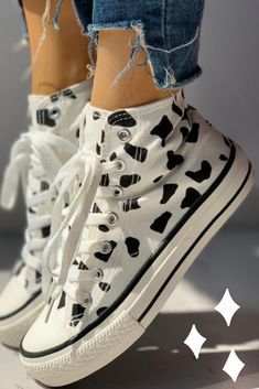 Stand out with theses stylish cow print sneakers! Aesthetic Shoes, Aesthetic Clothes, Sneakers Fashion, Fashion Shoes, Fashion Outfits, Mode Converse, Pink Converse, Converse Sneakers, Hype Shoes