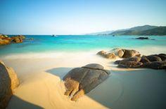 Khám phá 6 địa điểm du lịch đẹp và hoang sơ cho chuyến du lịch dịp 30/4 này như đảo Cô Tô, Côn Đảo, đảo bình Lập, Cù Lao Câu, Đắk Lắk, Mộc Châu,...