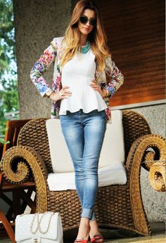 15 Gorgeous Floral Print Jackets for Trendy Women