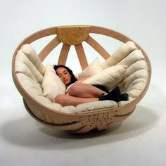 A Cozy Cradle for Adults | Well Done Stuff !