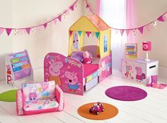 Perfect for preschoolers… Fill their room with friends with the Peppa Pig bedroom furniture range by HelloHome. Whether they are tidying up after a day of splashing in muddy puddles with Peppa or ready to snuggle into bed – create a room little ones will love.