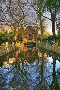 Jardin du Luxembourg -- this reminds me a little of the castle.  A bit more extravagant, but I can see it...