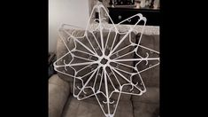 clear or white zip ties hold it all together! clear or white zip ties hold it all together! Diy Christmas Fireplace, Diy Christmas Snowflakes, Snowflake Lights, How To Make Snowflakes, Christmas Window Decorations, Christmas Arts And Crafts, Snowflake Craft, Snowflake Decorations, Xmas Crafts