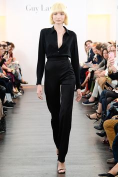 See the complete Guy Laroche Spring 2018 Ready-to-Wear  collection.