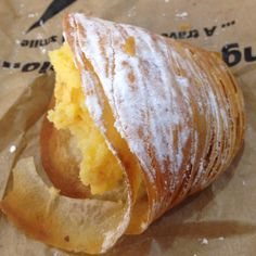 Napolitano dessert: pastry with ricotta filling and a hint of lemon