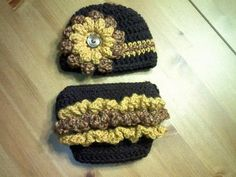LOVE This set- link to the diaper cover pattern, i think she's going to post her hat pattern eventually as well