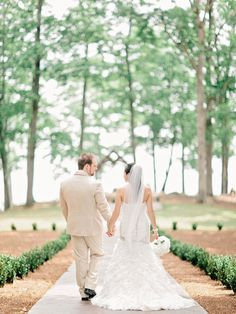 Lake Lanier Islands Wedding from Amy Arrington Photography Read more - http://www.stylemepretty.com/georgia-weddings/2013/08/14/lake-lanier-islands-wedding-from-amy-arrington-photography/
