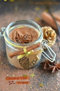 chocolat chaud aux épices cadeau gourmand Chocolate Lovers, Hot Chocolate, Homemade Gifts, Diy Gifts, Gourmet Gifts, Christmas Tea, Spice Mixes, Little Gifts, Home Gifts