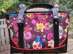 Sac Carioca en simili noir et imprimé fleurs et papillons cousu par Elodie - Patron Sacôtin
