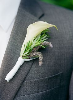 lavender and calla lily boutonniere by #floraltheory #buttonhole #callalily #lavender http://www.weddingchicks.com/2013/11/12/wine-country-wedding/