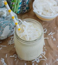 You will love this tropical smoothie. This is my favorite healthy Pineapple Smoothie to make year round! You can use fresh or frozen pineapple, bananas, coconut milk and Greek yogurt. Top the smoothie Pineapple Yogurt Smoothie, Yogurt Smoothies, Healthy Smoothies, Cooked Pineapple, Frozen Pineapple, Frozen Banana, Banana Coconut, Coconut Milk, Homemade Apple Juice
