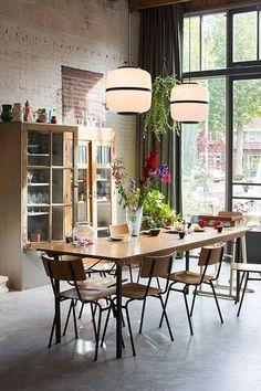 Dining room lighting: Industrial dining room ideas for your dining room decor Decor, Dining Room Design, Dining Room Inspiration, Interior, Dining Room Decor, Dining Room Lighting, Home Decor, House Interior, Modern Dining Room
