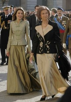 Princess Letizia and her mother in law Queen Sofia Royal Fashion, Plus Fashion, Princess Of Spain, Spanish Royalty, Spanish Royal Family, Special Occasion Outfits, Queen Letizia, Dream Wedding Dresses, Mother Of The Bride